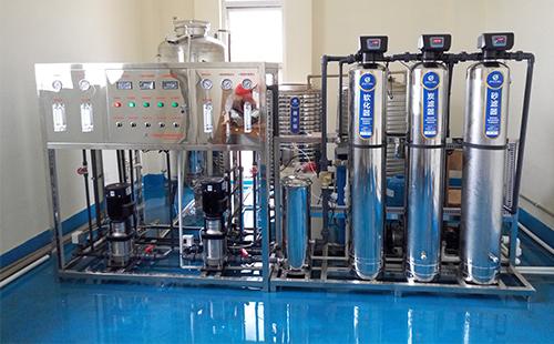 走走停停,货比三家 还是选择购买精格校园净水设备